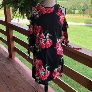 NWOT {2Hearts} Black floral cold should dress